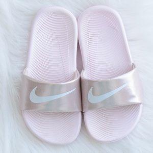 Girls Nike light pink girls slides